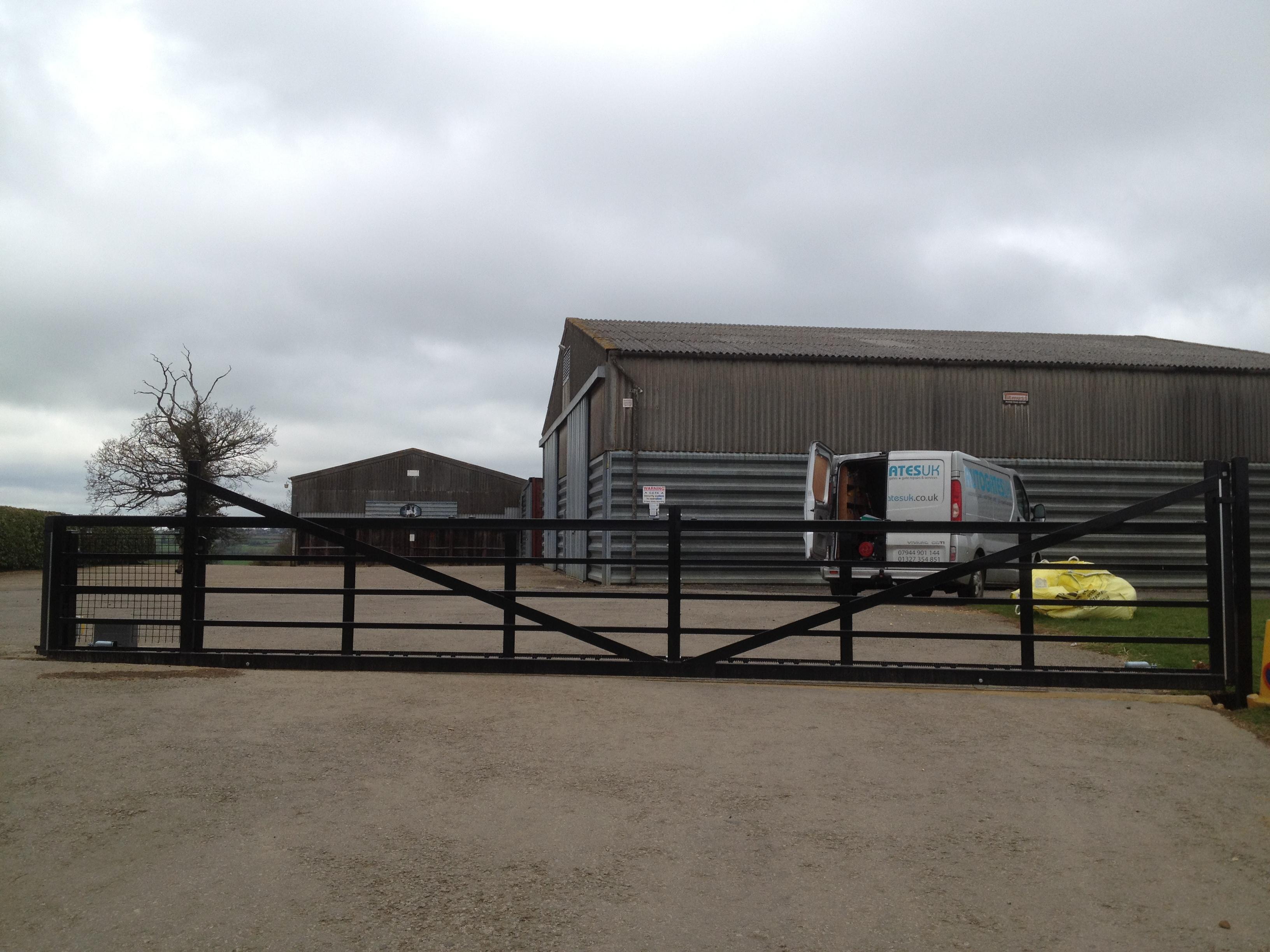 7m 5 bar farm style sliding gate
